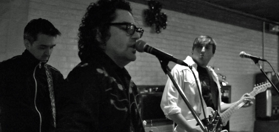"The Dirty Truckers - ""So So Numb"" @ The Rosebud Bar 3.12.2011"