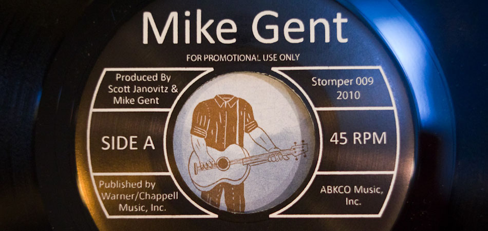 "Mike Gent - ""Victoria"" b/w ""Big Sky"" (2010)"
