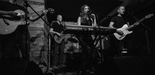 Magen Tracy & The Missed Connections @ Atwood's Tavern 8.13.2015